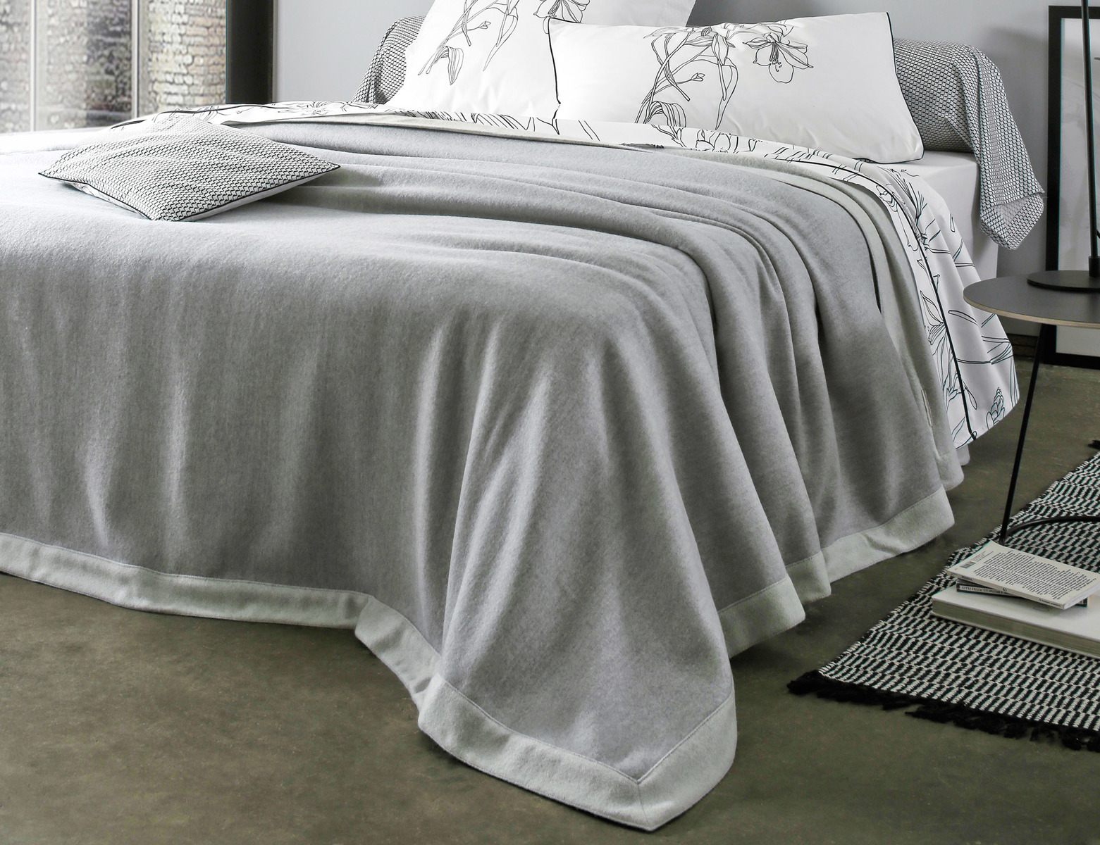 narzuta kaszmirowa blanc des vosges lima perle perle sklep podpierzyn com. Black Bedroom Furniture Sets. Home Design Ideas